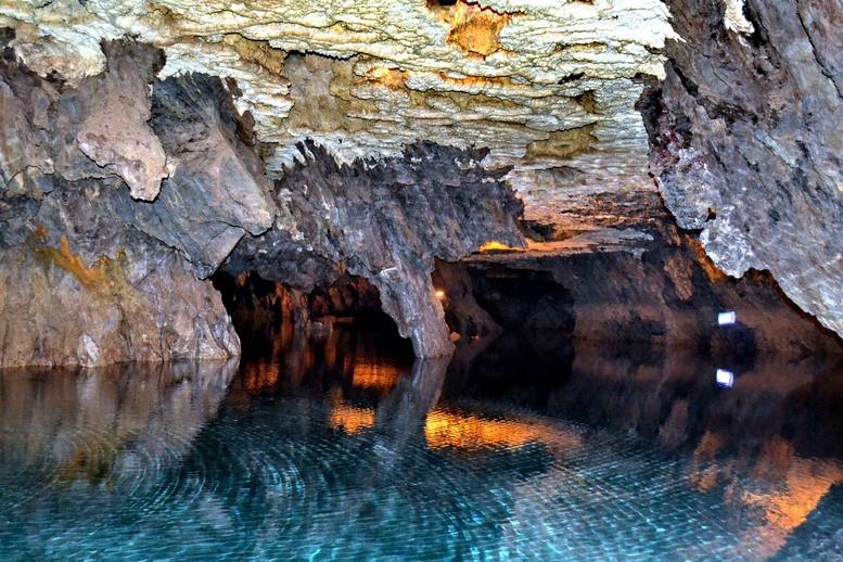 غار علیصدر ، بزرگترین غار آبی جهان